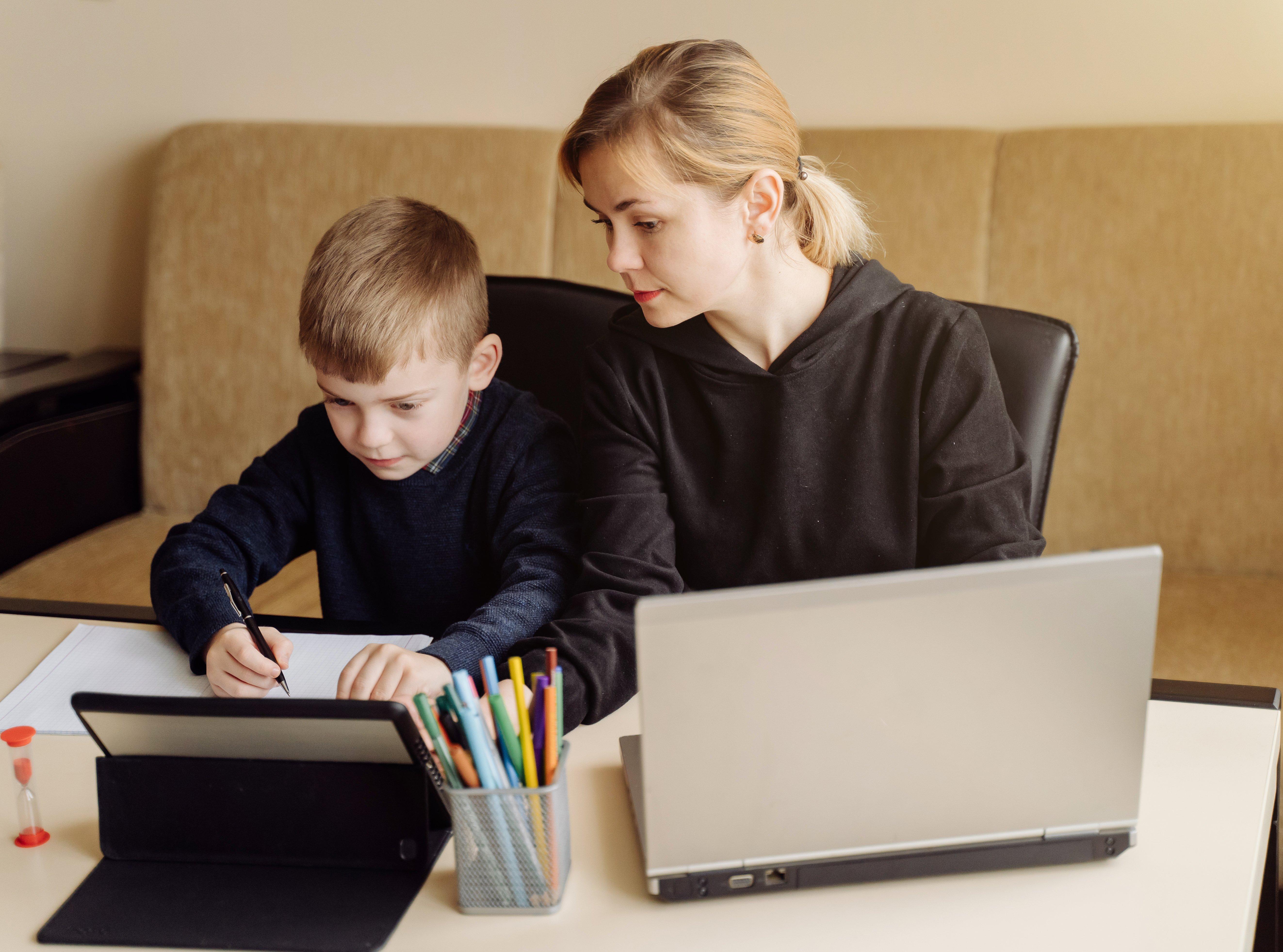 Como-generar-un-ambiente-ideal-en-el-hogar-para-la-educacion-online
