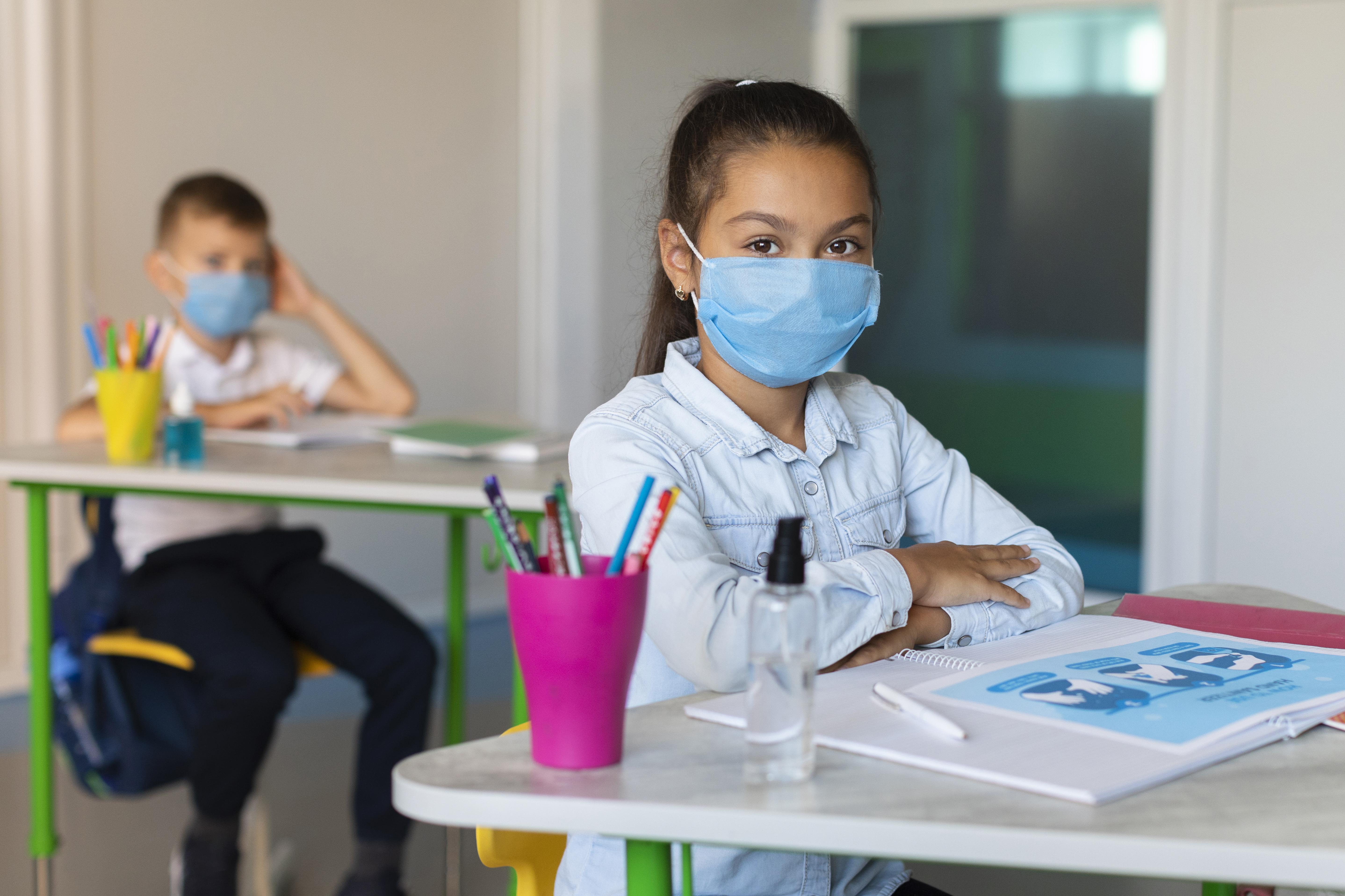 kids-social-distancing-in-classroom
