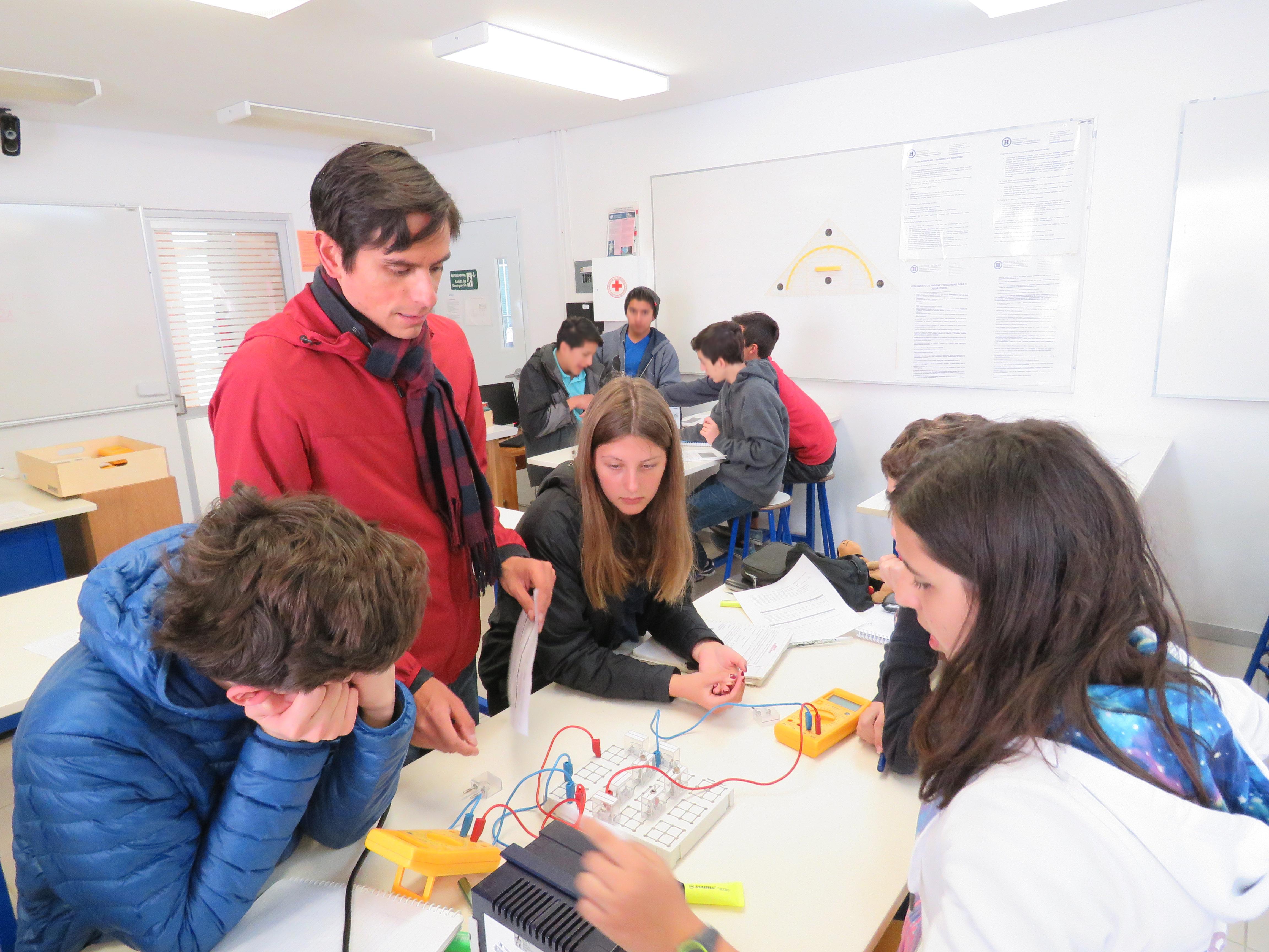 3-escenarios-futuros-por-los-que-le-conviene-a-sus-hijos-estudiar-la-secundaria-en-el-colegio-aleman